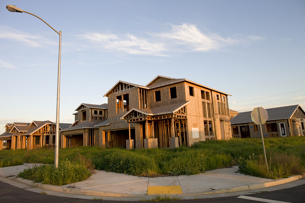 Skeletons of abandoned housing developments in California. (Simon Hayter)