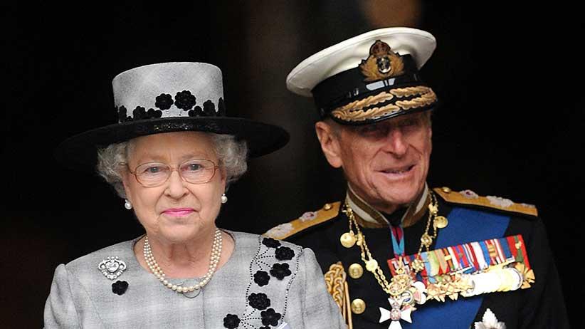 Queen Elizabeth II and Prince Philip, Duke of Edinburgh on October 9, 2009 in London, England. (Photo by Samir Hussein/WireImage)