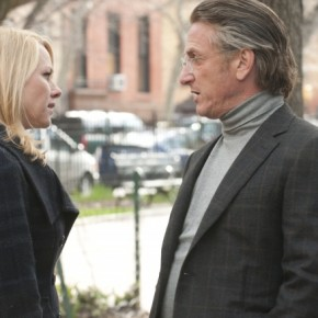 Naomi Watts (Valerie Plame Wilson) and Sean Penn (Joseph Wilson) in 'Fair Game'