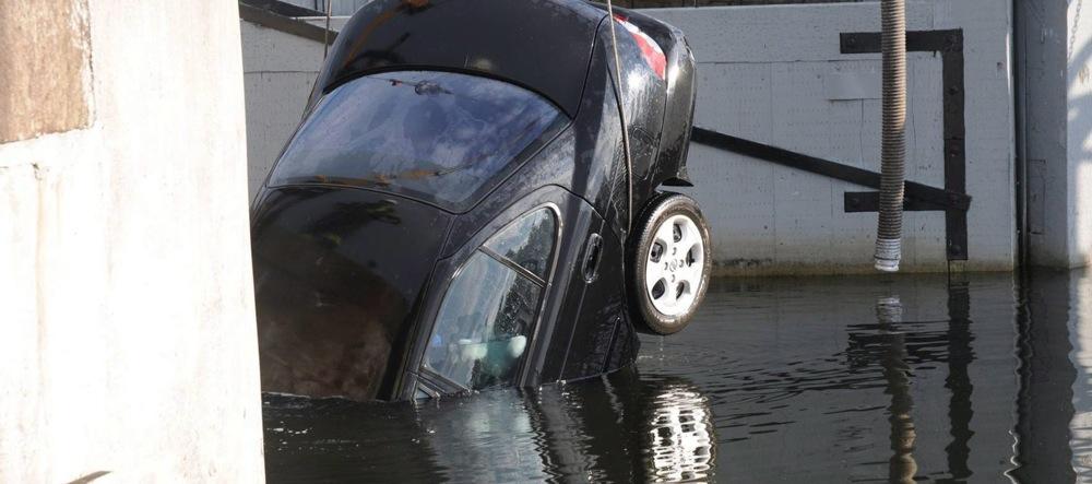 Submerged Car Bodies 20111115