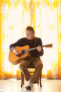 Lightfoot At 73 His Motto Is Don T Stop Now Macleans Ca