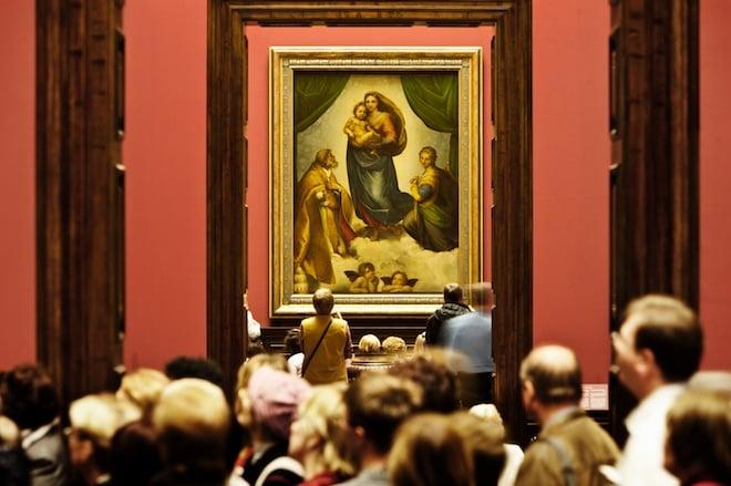Les œuvres artistiques mentionnées par Husserl dans Husserl et la culture Besucher_vor_der_Sixtinischen_madonna