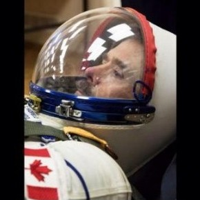 From @Cmdr_Hadfield/Twitter