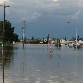 HighRiver_flood_445x290