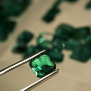 The dangerous world of Pakistan's gem trade