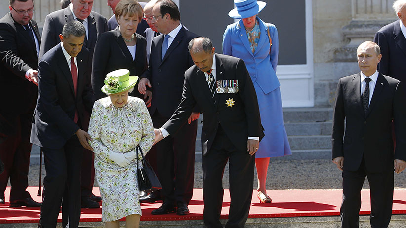 Barack Obama, Francois Hollande, Queen Elizabeth II, Jerry Mateparae, Angela Merkel