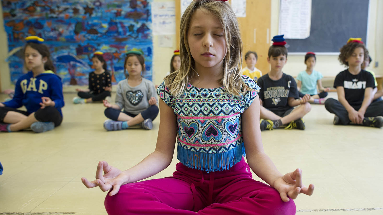 Is Mindfulness Meditation Good For Kids >> Bringing Mindfulness To The School Curriculum Macleans Ca