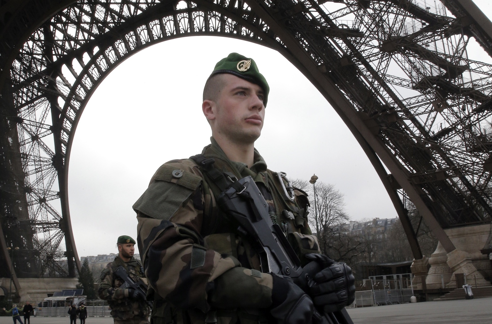 French soldiers on patrol at the Eiffel Tower. (AP)