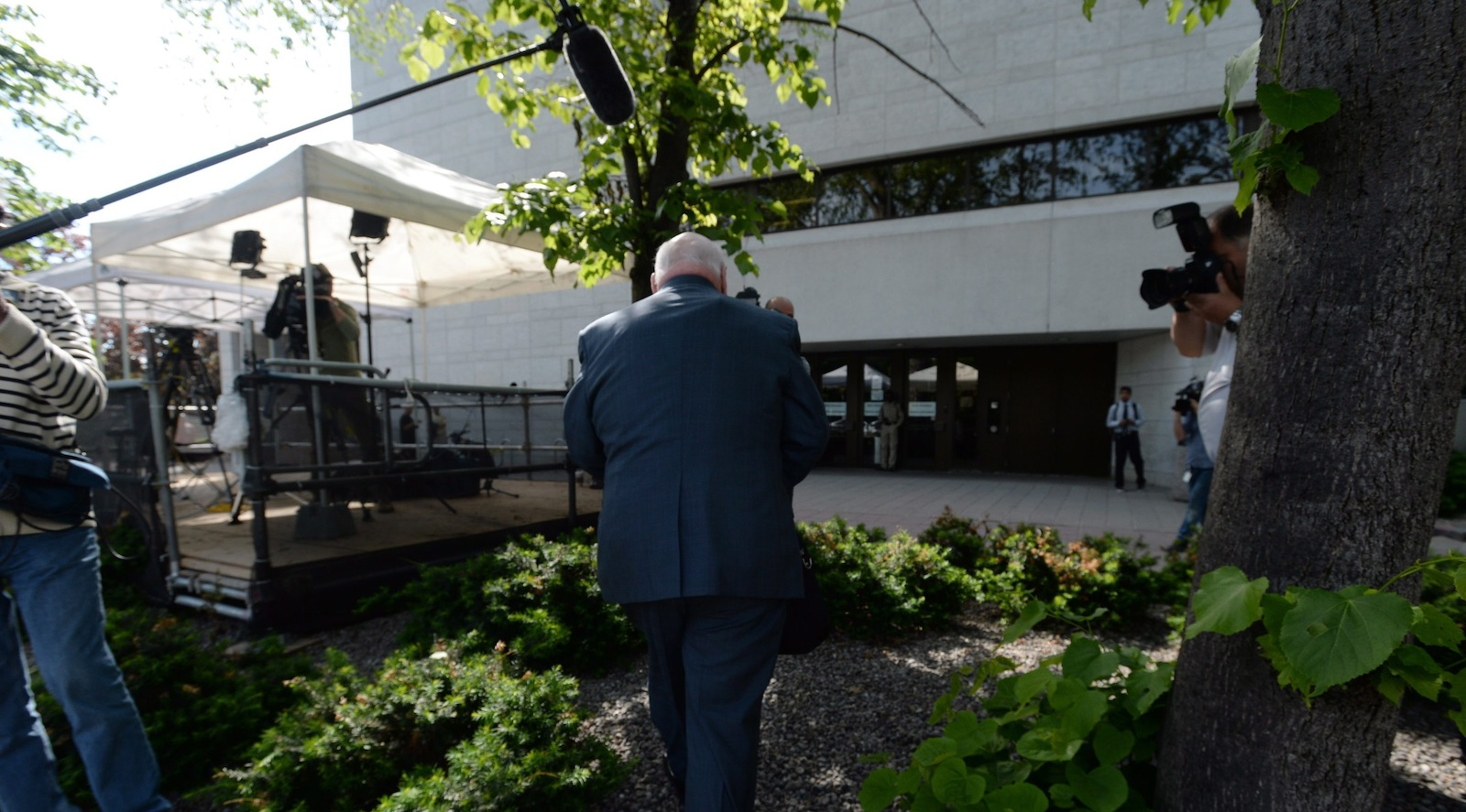 Suspened Senator Mike Duffy arrives at court in Ottawa on Thursday, June 4, 2015. THE CANADIAN PRESS/Sean Kilpatrick