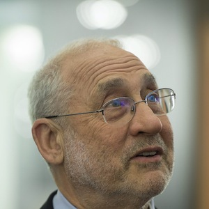 US economist Joseph Stiglitz, reacts on the first day of the 43rd Annual Meeting of the World Economic Forum, WEF, in Davos, Switzerland, Wednesday, Jan. 23, 2013. (AP Photo/Keystone/Jean-Christophe Bott)