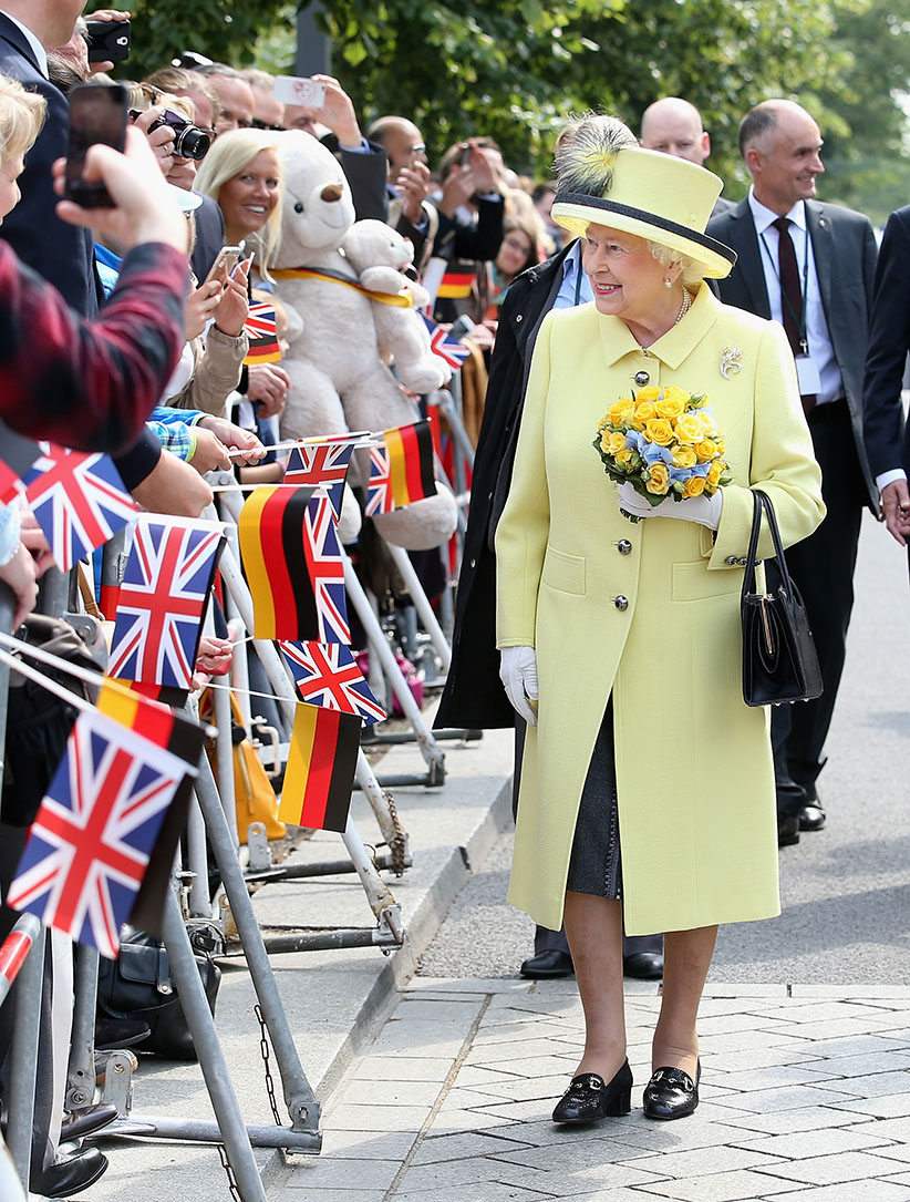 Queen Elizabeth II smiles as she departs the Adlon Hotel on the final day of a four day State Visit to Germany on June 26, 2015 in Berlin, Germany.  (Chris Jackson/Getty Images)