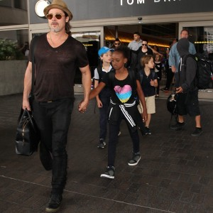 Brad Pitt, Angelina Jolie, Shiloh Nouvel Jolie-Pitt, Maddox Chivan Jolie-Pitt, Pax Thien Jolie-Pitt, Knox Leon Jolie-Pitt, Zahara Marley Jolie-Pitt, Vivienne Marcheline Jolie-Pitt Brad Pitt and Angelina Jolie at LAX Airport, Los Angeles, America - 05 Jul 2015 Brad Pitt and Family  arriving at the Los Angeles International Airport. Broadimage/REX Shutterstock/CP