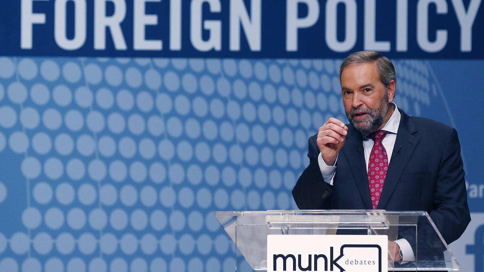 New Democratic Party (NDP) leader Thomas Mulcair speaks at the Munk leaders' debate on Canada's foreign policy in Toronto, Canada September 28, 2015. Canadians go to the polls in a federal election on October 19, 2015. REUTERS/Mark Blinch (CANADA  - Tags: POLITICS ELECTIONS)   - RTS25VT