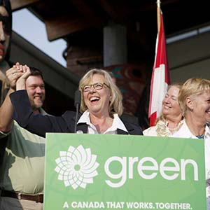 Elizabeth May, Leader of the Green Party of Canada, along with Green candidates and supporters, kicks off her election campaign from the Mary Winspear Community Centre in Sidney, B.C., Sunday August 2, 2015. (CHAD HIPOLITO/CP)
