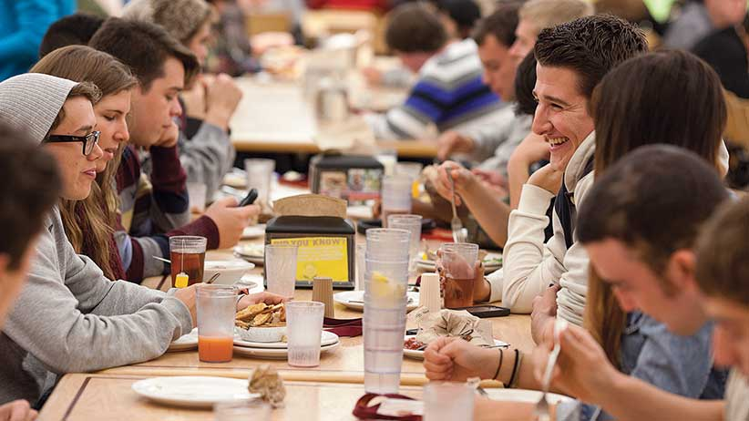 SACKVILLE, NB, SEPTEMBER 26, 2013 - MOUNT ALLISON - Students in Jennings Dining Hall.  PHOTOGRAPH BY ANDREW TOLSON