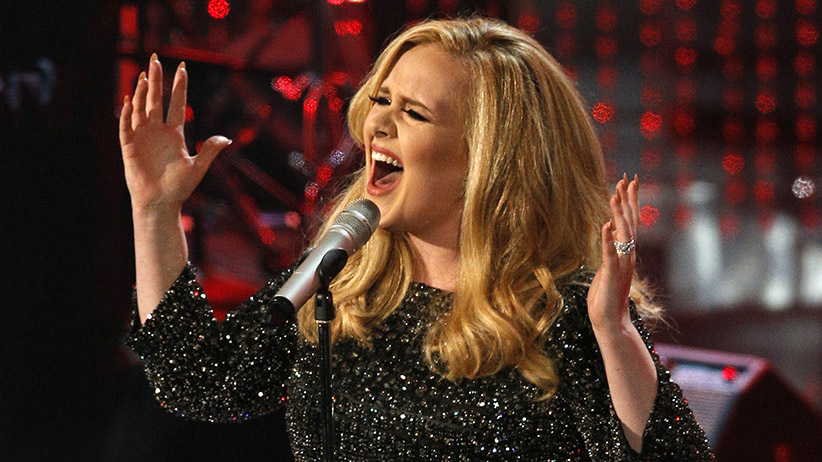 "British singer Adele performs the song ""Skyfall"" from the film ""Skyfall,"" nominated as best original song, at the 85th Academy Awards in Hollywood, California February 24, 2013.  (Mario Anzuoni/Reuters)"