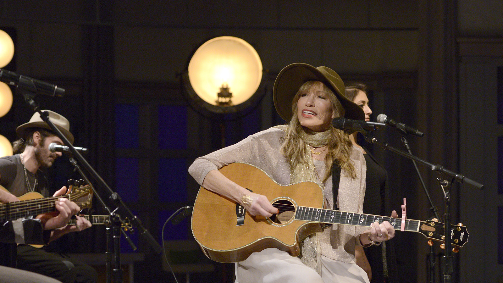 Carly Simon on Mick Jagger, Taylor Swift—and being herself