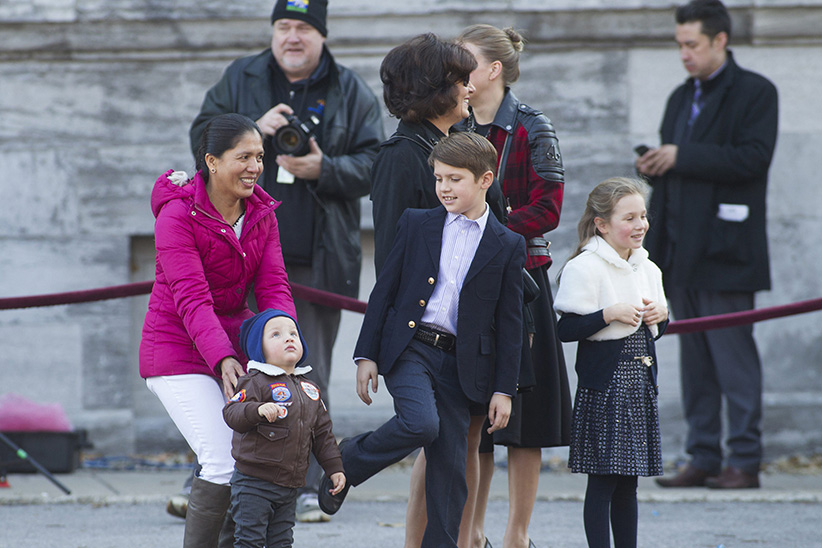 Margaret Trudeau with her grandchildren Hadrian, Xavier and Ella-Grace Trudeau, Ottawa, Ont., on Nov. 4, 2015. (Lars Hagberg/CP)