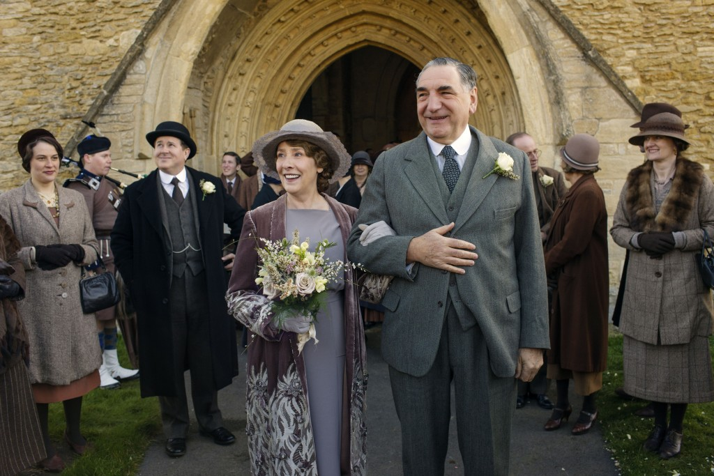 Shown from left to right: Phyllis Logan as Mrs. Hughes and Jim Carter as Mr. Carson   (C) Nick Briggs/Carnival Film & Television Limited 2015 for MASTERPIECE