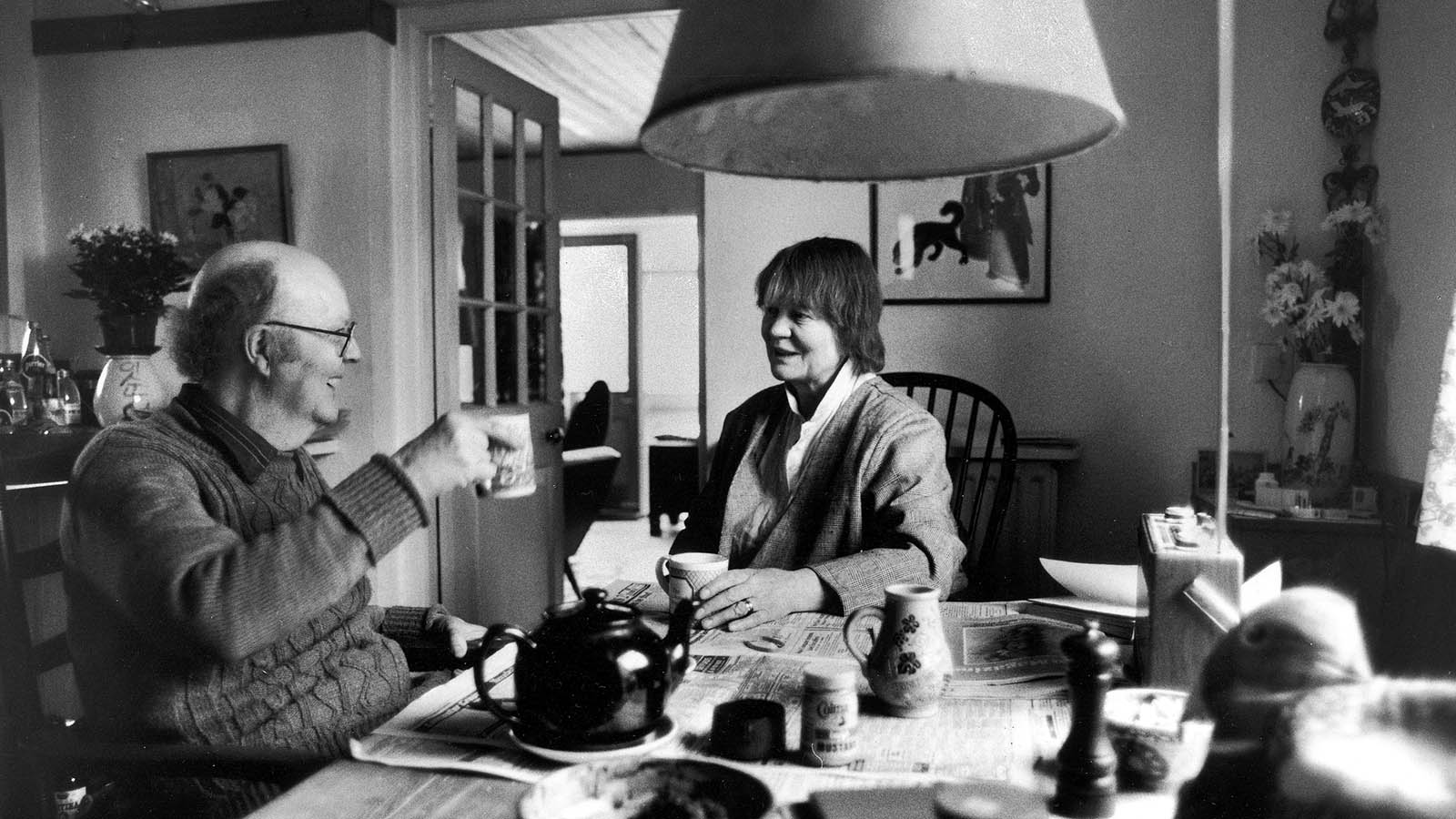 Author Dame Iris Murdoch (right) breakfasting at home with husband John Bayley, Don of St. Catherine's College, in May 1986. (Terry Smith/The LIFE Images Collection/Getty Images)