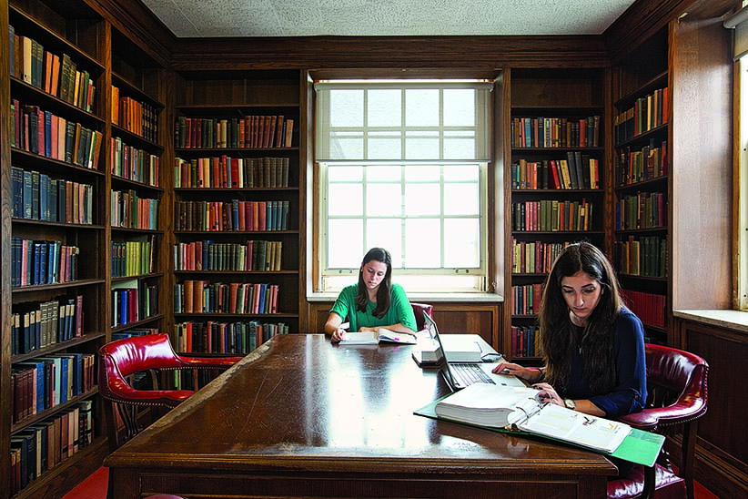 FREDERICTON, NB - SEPTEMBER 22nd, 2014 - The University of New Brunswick. PICTURED: Students studying in the Beaverbrook room (also known as the Harry Potter room) in the Harriet Irving library. (PHOTOGRAPH BY ANDREW TOLSON)