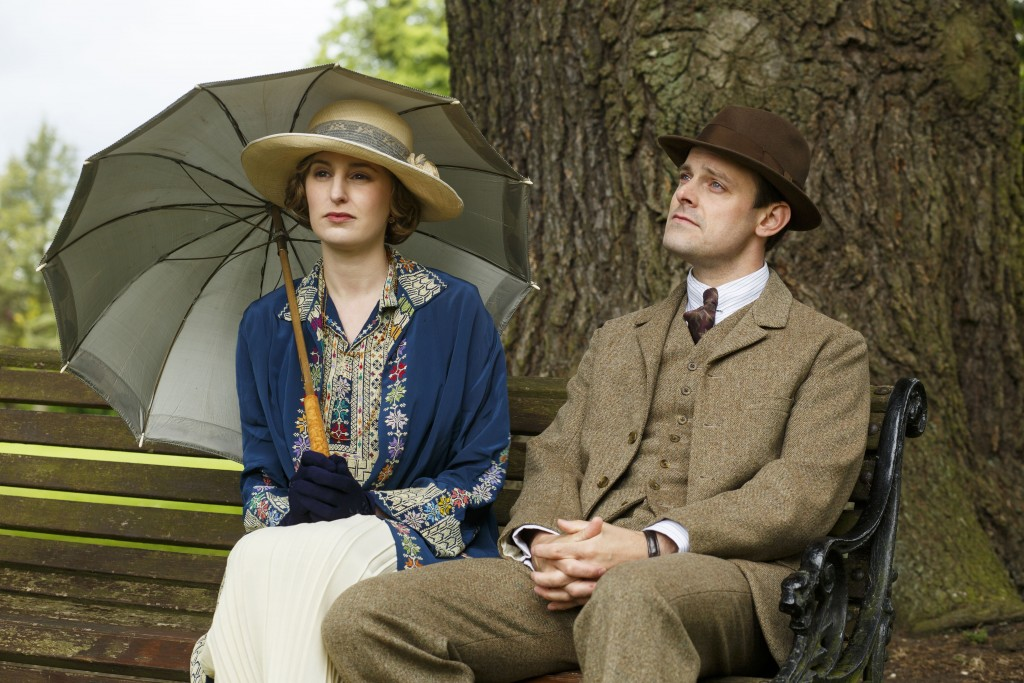 Shown from left to right: Laura Carmichael as Lady Edith and Harry Hadden-Paton as Bertie Pelham (C) Nick Briggs/Carnival Film & Television Limited 2015 for MASTERPIECE