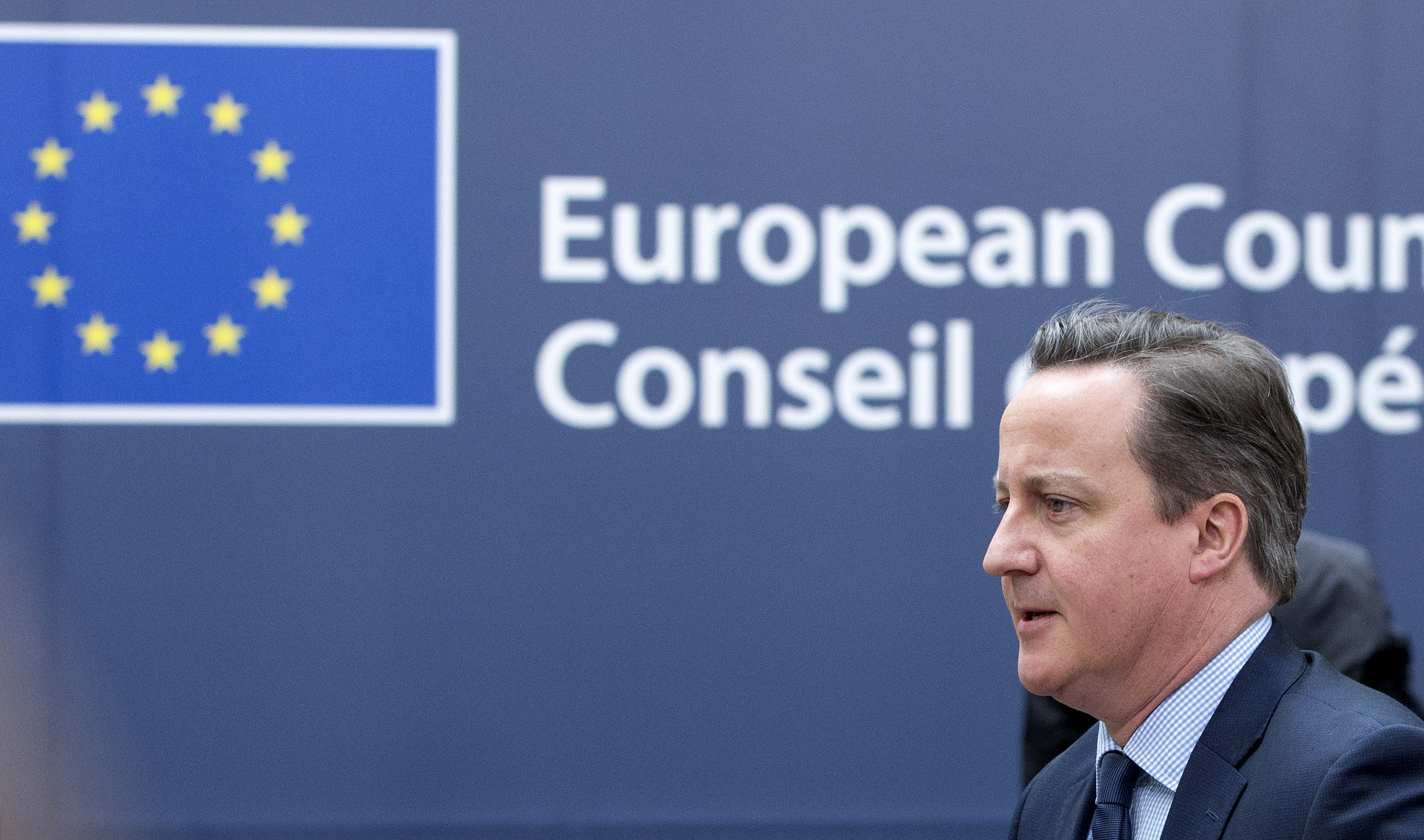 British Prime Minister David Cameron arrives at a European Union leaders summit addressing the talks about the so-called Brexit and the migrants crisis in Brussels, Belgium, February 18, 2016. REUTERS/Yves Herman - RTX27IHC