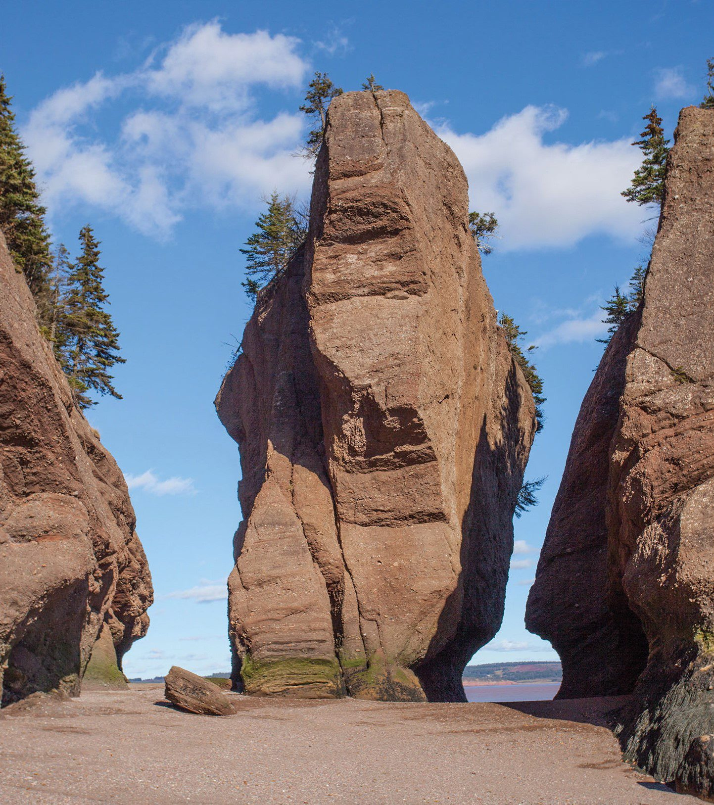 The flowerpot rock known as Elephant Rock formation is shown before it's collapse, in Hopewell Cape, N.B., in this October 29, 2013, handout photo. THE CANADIAN PRESS/HO - Kevin Snair