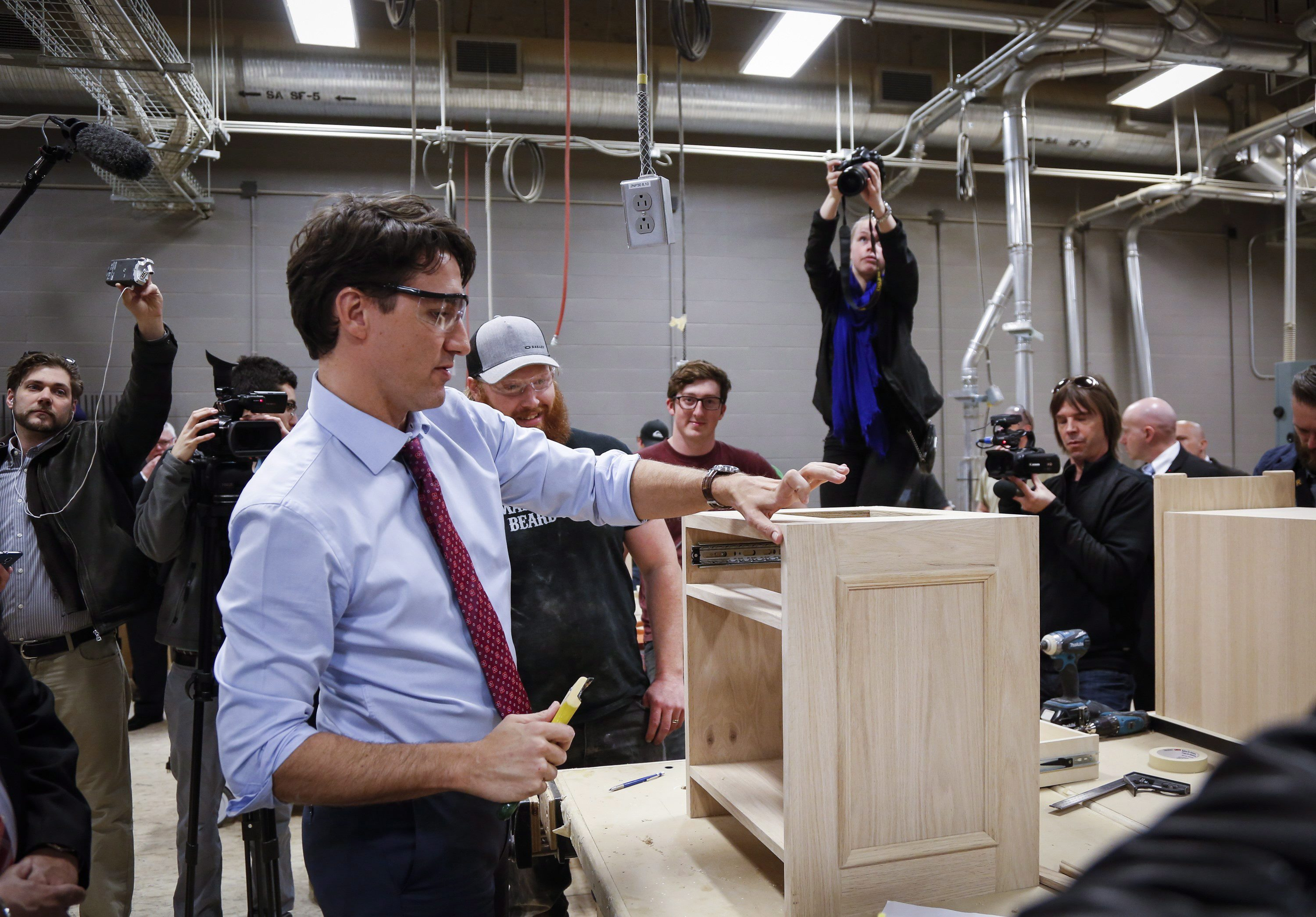 Key Trudeau promise to help jobless youth left out of federal budget