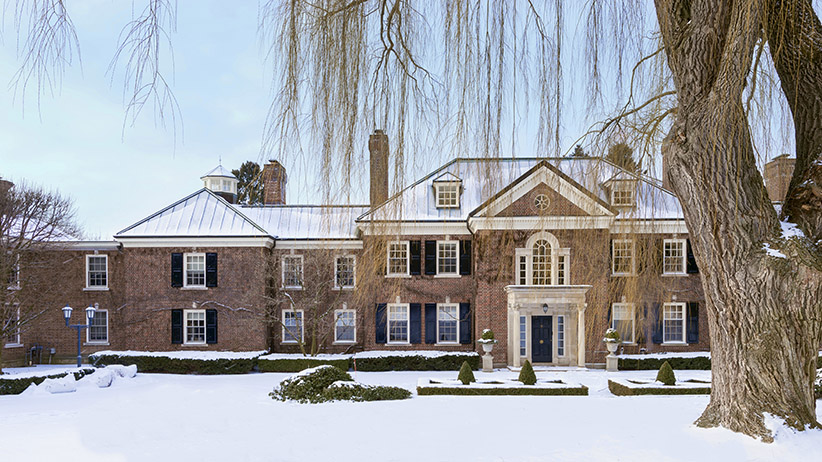 An exterior shot of Conrad Black's Toronto home that is for sale. (Vincenzo Pistritto/Concierge Auctions)