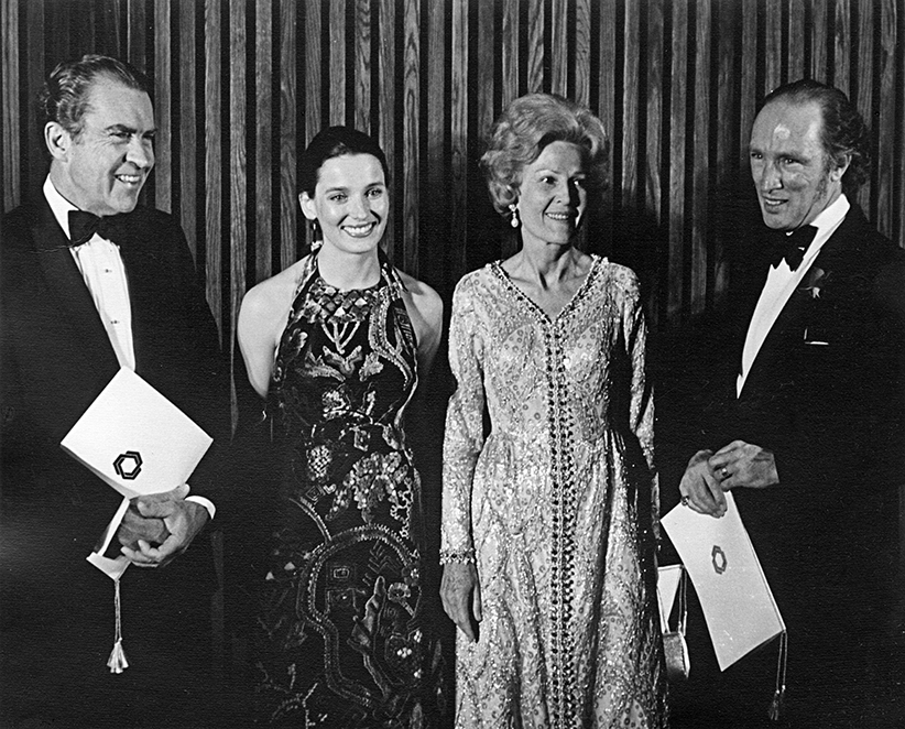 Nixon, Mrs. Nixon, Margaret and Pierre Trudeau. (NAC)