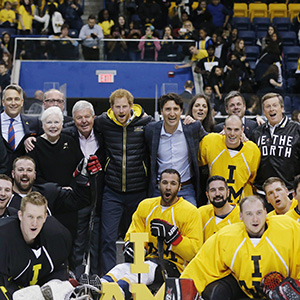 Britain's Prince Harry, Canada's Prime Minister Justin Trudeau and Toronto Mayor John Tory pose with officials and sledge hockey players during the Invictus Games media launch in Toronto, Ontario, Canada, May 2, 2016. (Mark Blinch/Reuters)