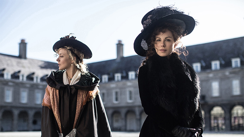 LOVE & FRIENDSHIP, (aka LOVE AND FRIENDSHIP), from left: Chloe Sevigny, Kate Beckinsale, 2016. (Ross McDonell/Roadside Attraction/Everett Collection)