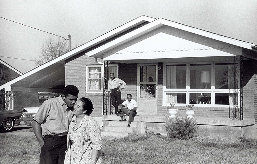 Muhammad Ali at his childhood home. (Globe Photos/ZUMA Press/Alamy)