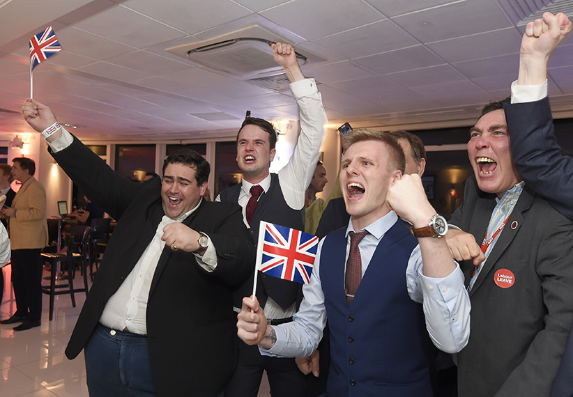 Leave supporters cheer results at a Leave.eu party after polling stations closed in the Referendum on the European Union in London, Britain, June 23, 2016. (Toby Melville/Reuters)