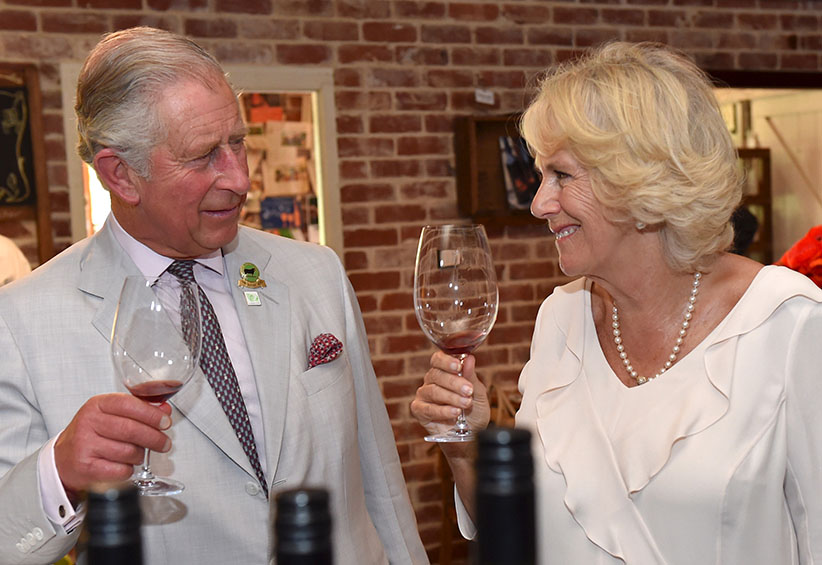 Britain's Prince Charles and Camilla, Duchess of Cornwall sample wines produced at Oranje Tractor Wines in Albany, Western Australia, November 14, 2015. (Tracey Nearmy/Reuters)