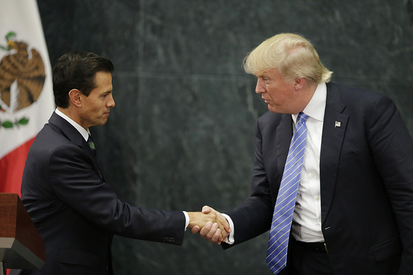 U.S. Republican presidential nominee Donald Trump and Mexico's President Enrique Pena Nieto shake hands at a press conference at the Los Pinos residence in Mexico City, Mexico, August 31, 2016. (Henry Romero/Reuters)