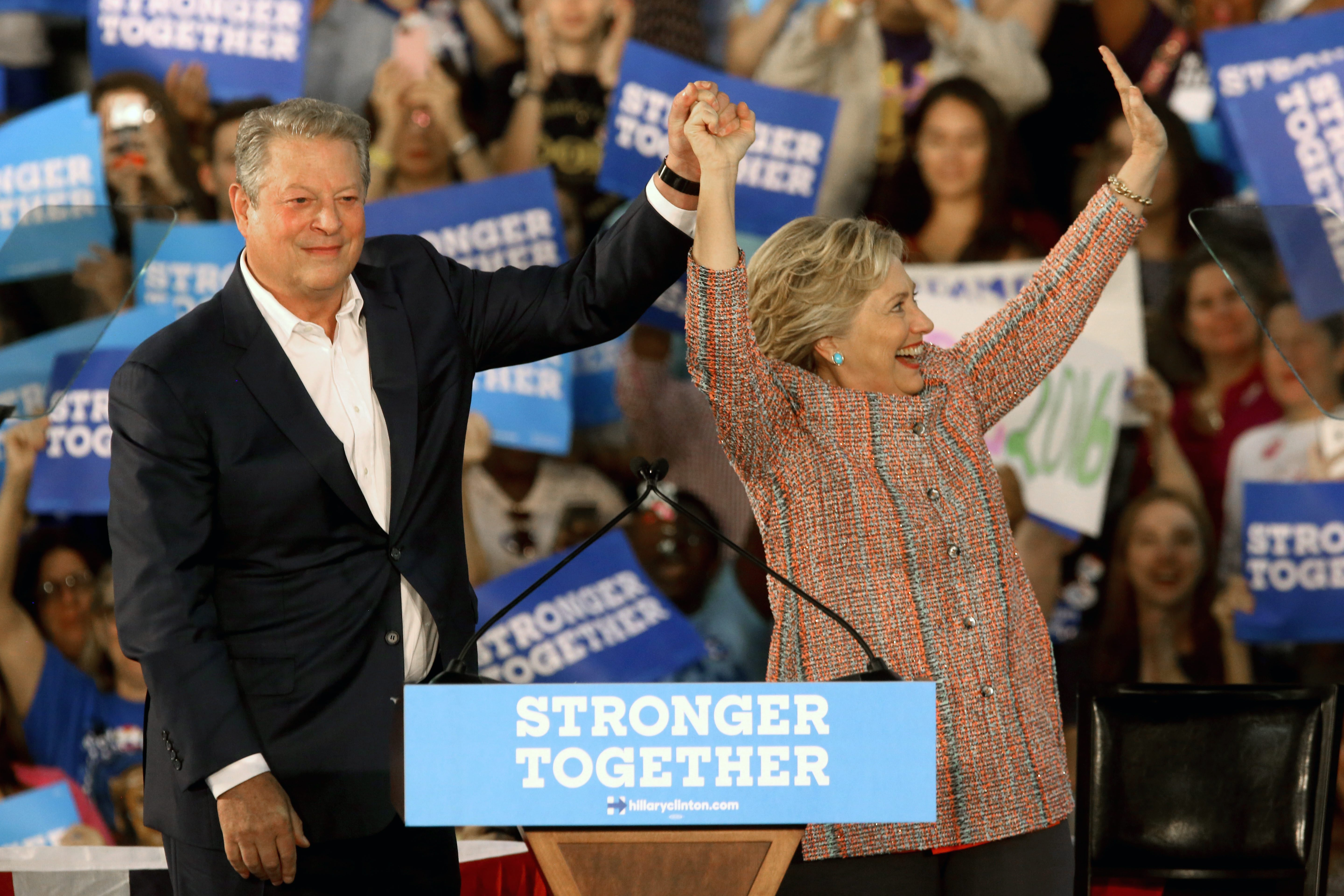 Al Gore returns to the campaign trail, beside another Clinton