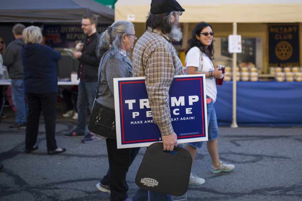 Republicans at the Oak Harbor Apple Fest in Oak Harbor, Ohio. (Photograph by Nick Iwanyshyn))