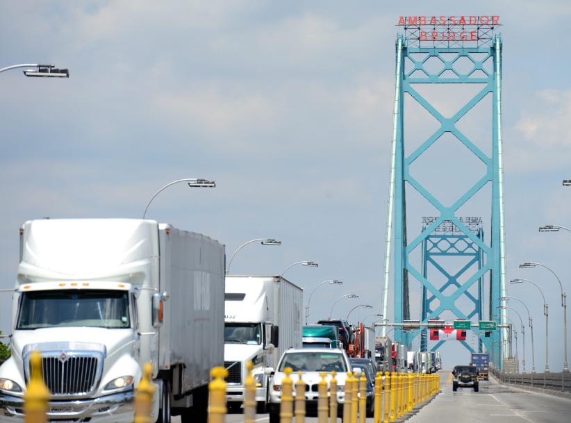 The Ambassador US/Canada bridge and border crossing at Windsor, Ont. and Detroit, MI on July 11, 2014. (Stephen C. Host/CP)