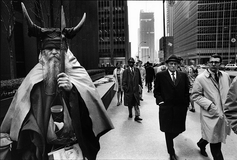 'Moondog', East 51st Street, New York (1970-1979). (Peter Martens/Nederlands Fotomuseum)