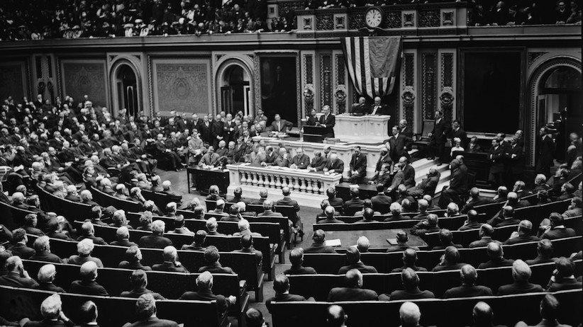 U.S. President Woodrow Wilson addressing Congress in 1916 (Shutterstock)