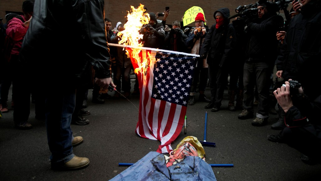can you burn the american flag under the first amendment