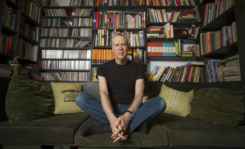 """Vinyl Cafe"" CBC host Stuart McLean, in his home on November 17, 2013. (Bernard Weil/Toronto Star/Getty Images)"