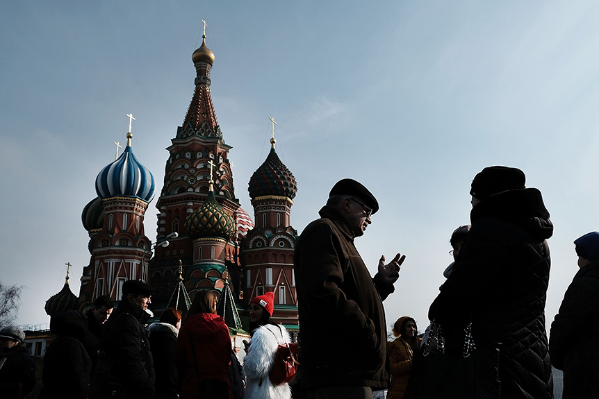 People walk through Red Square in Moscow on March 7, 2017 in Moscow, Russia. (Spencer Platt/Getty Images)