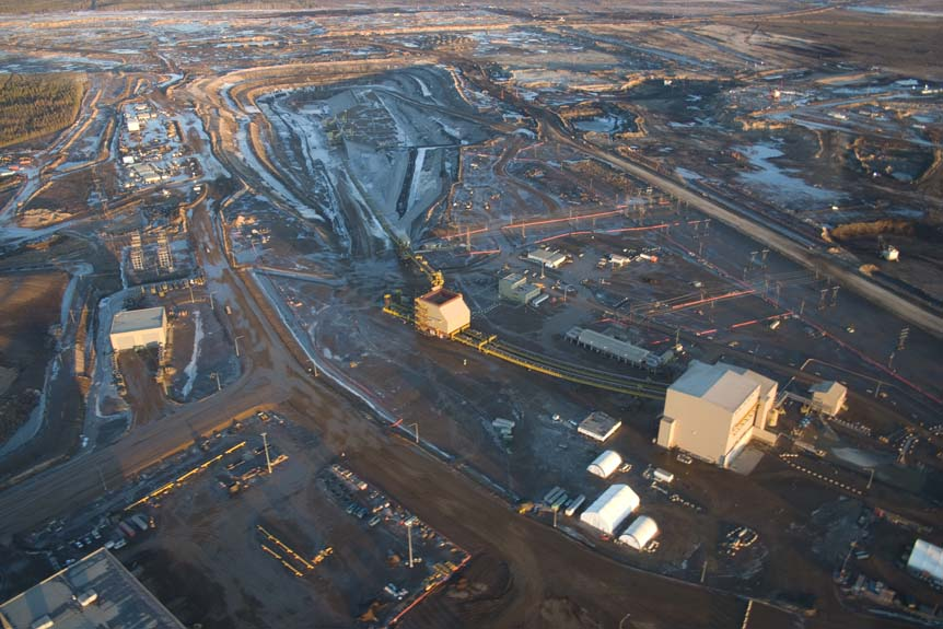 Oilsands development in Northern Alberta (Shutterstock)