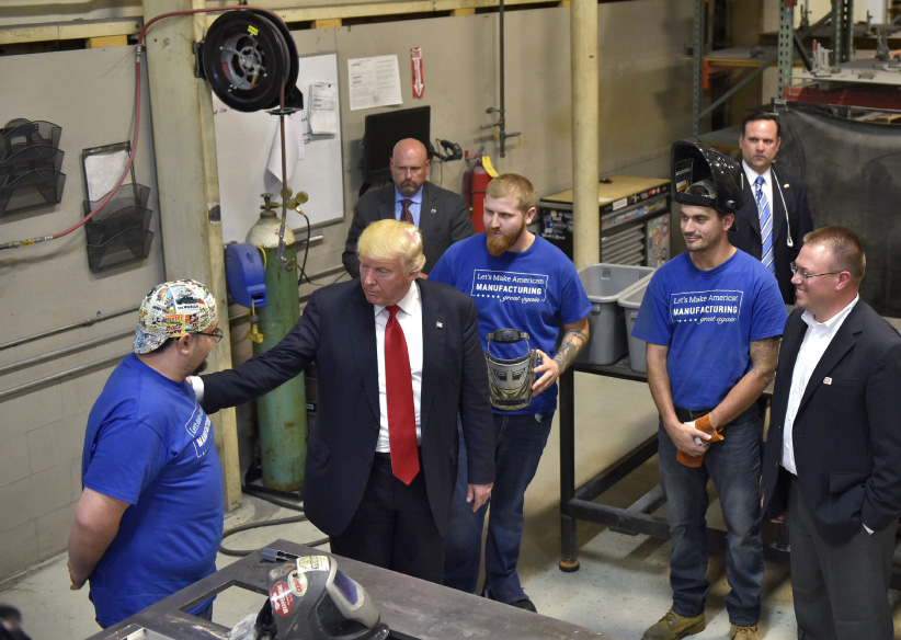 US Republican presidential nominee Donald Trump tours Staub Manufacturing Solutions in Dayton, Ohio on September 21, 2016. (Mandel Ngan/AFP/Getty Images)
