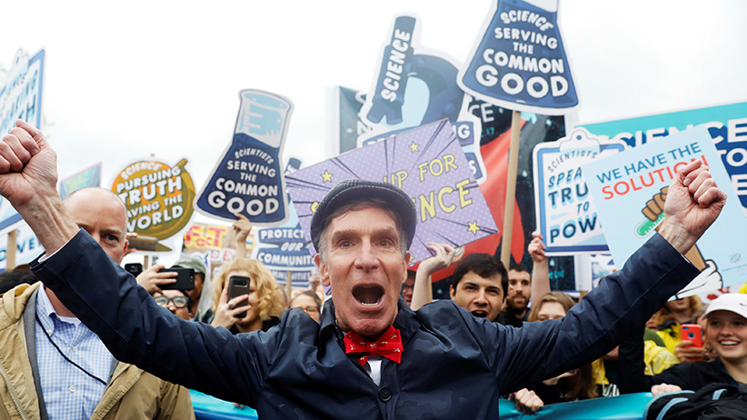 Bill Nye leads demonstrators on a march to the U.S. Capitol during the March for Science in Washington, U.S., April 22, 2017. (Aaron Bernstein/Reuters)