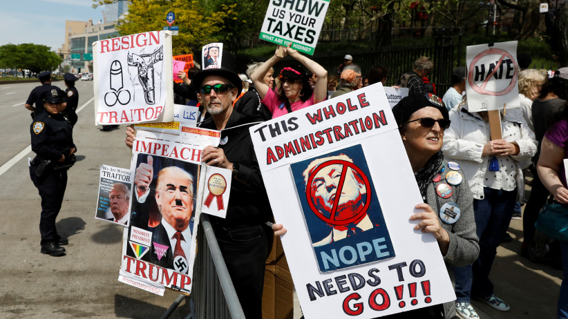 Protesters gather ahead of the anticipated arrival of U.S. President Donald Trump in the Manhattan borough of New York, U.S., May 4, 2017. (Brendan McDermid/Reuters)