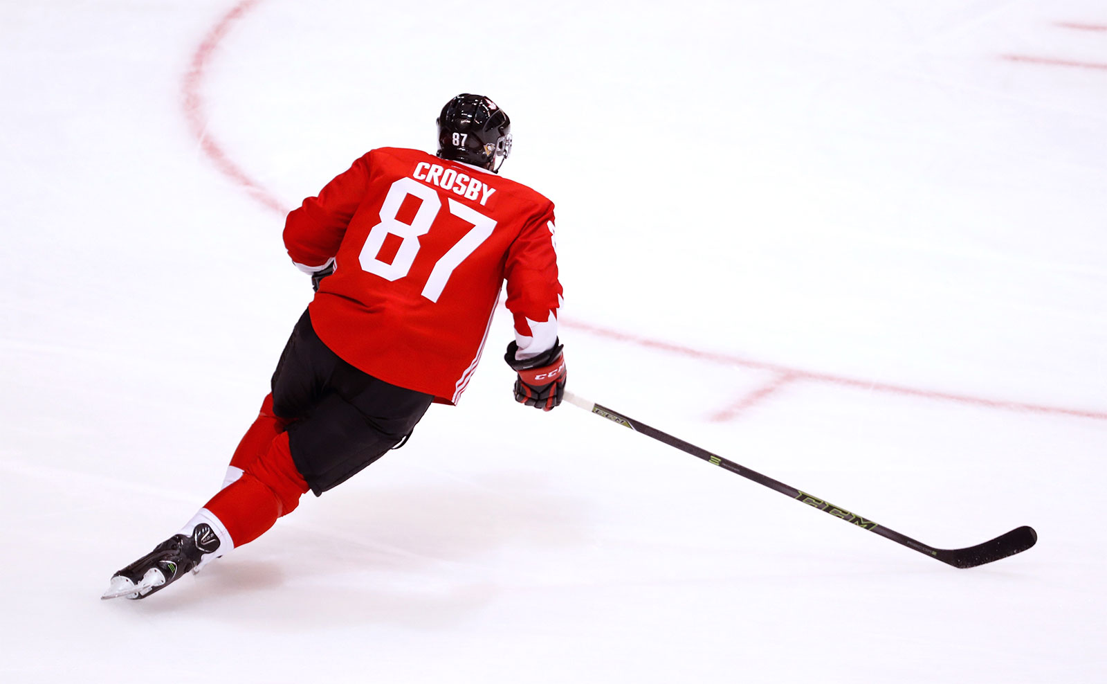 Sidney Crosby #87 of Team Canada warms up prior to playing Team Czech Republic during the World Cup of Hockey on September 17, 2016 in Toronto, Canada. (Gregory Shamus/Getty Images)